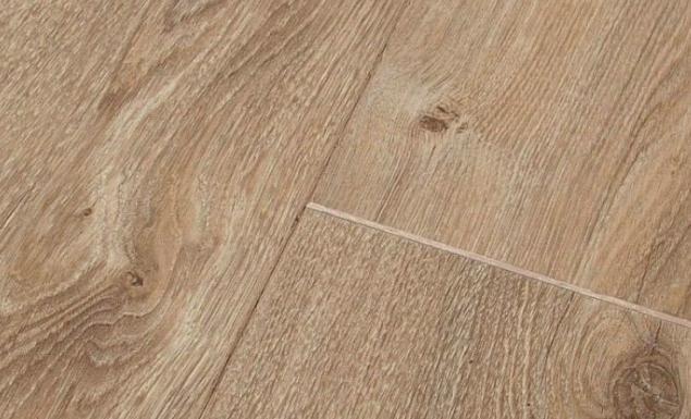 Traditional Oak Laminate Flooring Newport
